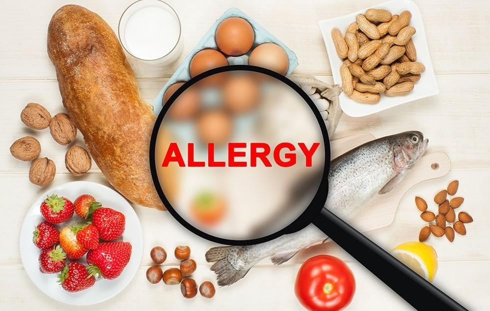 Τροφική αλλεργία: τι πρέπει να γνωρίζουν οι γονείς