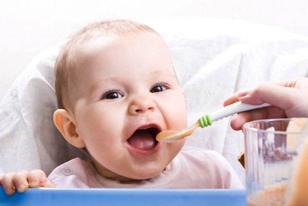 Νέες οδηγίες για τη βρεφική διατροφή – Top 5 μηνύματα για τον Παιδίατρο